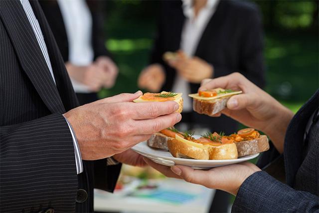 Servicio de catering para reuniones de empresa